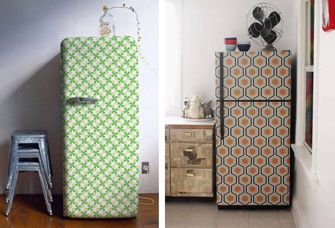 как быстро украсить старый холодильник остатками обоев